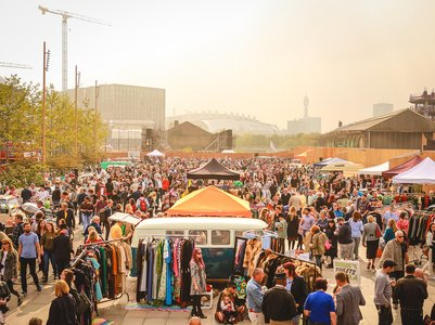 classic car boot sale king's cross october 2015 crowd